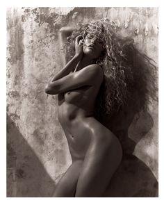 HOT! Candice Swanepoel nua na Muse Magazine