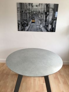 Moon ceramic fixed round table. Ceramic in Hydra Plomo with stone colour matt legs. Delivered to our client in London. Leather Bed, Sofa Design, Modern Bedroom, Contemporary Furniture, Sofas, Dining Table, Moon, Legs, Colour