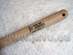 Mango FC ref.: 12506 realizado en madera de eucalipto para raederas y tajamatas de ojo cónico – Medidas: Ø30x1200mm www.jsvo.es
