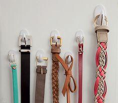 10 ideias de como usar ganchos adesivos para organizar a casa - Casinha Arrumada