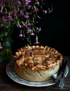 (vía Desserts for Breakfast: Peach and Lemon Verbena Pie, and a virtual pie party!)