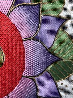 Broderie Bargello, Bargello Needlepoint, Needlepoint Stitches, Needlepoint Canvases, Needlework, Crewel Embroidery, Cross Stitch Embroidery, Embroidery Patterns, Needlepoint Christmas Stockings
