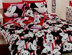 IN LOVE!!!!!!! I need it! Mickey Mouse bedding , bedroom , bed