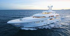 Lürssen turns fantasy into reality, creating an air of casual elegance onboard the 196 feet M/Y Solemates. His And Hers Sinks, Body Shower, Florida Design, Private Yacht, Super Yachts, Luxury Yachts, Casual Elegance, Night Time, Boat