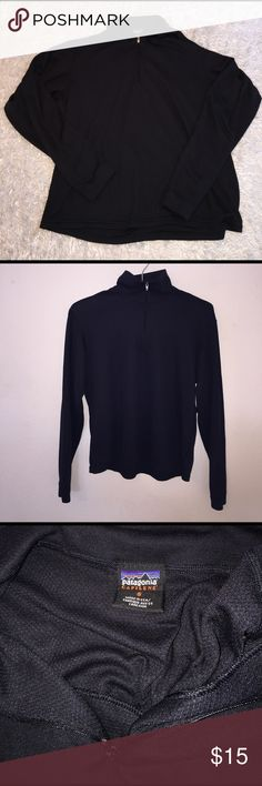 Patagonia Quarter Zip Size S, great condition. Very slight snag noted in last picture. Hardly seen. Feel free to ask questions! Patagonia Tops