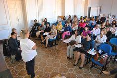 Botucatu recebe encontro regional do fundo social do Estado -   Botucatu recebeu nesta terça-feira (21), no Salão Azul da Secretaria Municipal de Educação, uma reunião técnica de trabalho, promovida pelo Fundo Social de Solidariedade do Estado de São Paulo, com primeiras-damas e presidentes do órgão de 30 cidades vinculadas à regional de - http://acontecebotucatu.com.br/geral/botucatu-recebe-encontro-regional-fundo-social-estado/