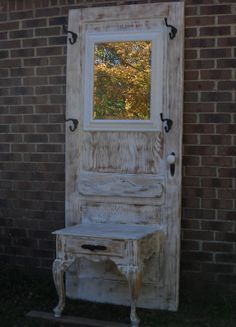 Going to have to figure out how to make something like this - have an old door in the garage which I'm dying to get my hands on.