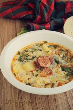 Romanian Food, Good Enough To Eat, Soups And Stews, Cheeseburger Chowder, Good Food, Easy Meals, Food And Drink, Favorite Recipes, Cooking