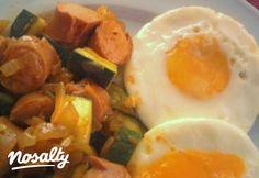 Light Pyttipanna - svéd egytálétel | Nosalty Main Dishes, Bacon, Eggs, Healthy Recipes, Healthy Food, Breakfast, Main Course Dishes, Healthy Foods, Morning Coffee