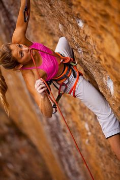 www.boulderingonline.pl Rock climbing and bouldering pictures and news she has inspired us