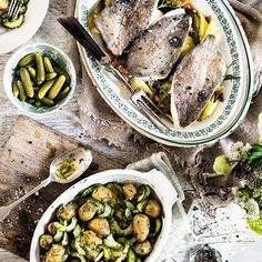 John Dory with Warm Potato Salad. A wonderfully simple dish for which you need the freshest fish possible Smoked Fish, Smoked Bacon, Dory Fish Recipe, John Dory Fish, Fish Recipes, Salad Recipes, Pickled Cucumber Salad, Warm Potato Salads, Organic Meat