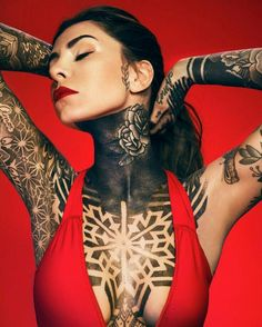 Love her chest piece! Hot Tattoos, Body Art Tattoos, Tribal Tattoos, Girl Tattoos, Tattoos For Women, Sexy Tattoo Girls, Female Tattoos, Tattooed Girls, Tattoo Mexicana