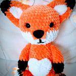 Lisek Zenek darmowy wzór - Ośli motek - Włóczki i rękodzieło Sock Crafts, Fox Pattern, Tweety, Hello Kitty, Teddy Bear, Toys, Animals, Inspiration, Activity Toys