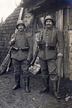 Two men from Landwehr-Infanterie-Regiment Nr. 83 Landwehr Division) somewhere on the Western Front World War One, First World, Imperial Army, Troops, Soldiers, German Army, Vietnam War, Military History, Armed Forces
