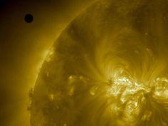 NASA - NASA's SDO Captures 2012 Venus Transit Approach