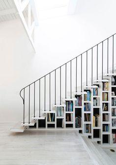 Bibliothèque escalier design en 8 exemples contemporains