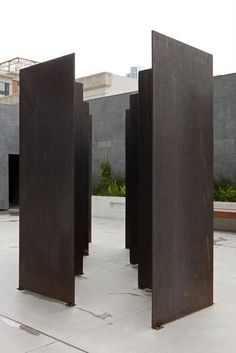 Barnett Newman, Zim Zum I (1969) weathering steel, 96 × 72 1/2 × 180 in SFMOMA