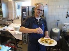 Helmut Rachinger: Wenn der Vater mit dem Sohne - Der Mühltalhof ist Oberösterreich-Sieger im Falstaff-Restaurantguide. Mehr zur Person hier: http://www.nachrichten.at/nachrichten/meinung/menschen/Helmut-Rachinger-Wenn-der-Vater-mit-dem-Sohne;art111731,1337694 (Bild: Karin Haas)