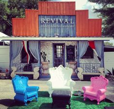 Jamie Figari is in Austen Texas and I can't wait to visit - I love those chairs!