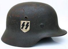 . Ww2 Uniforms, German Uniforms, German Soldiers Ww2, German Army, German Helmet, Germany Ww2, Military Modelling, Military Weapons, Military History