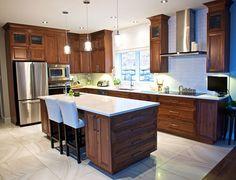 Réalisation signée MA Cuisine!! Cuisine en noyé naturel avec un comptoir de quartz! La simplicité dans l'élégance! Decor Interior Design, Interior Decorating, Home Goods Decor, Home Decor, Kitchen Trends, Kitchen Ideas, Cuisines Design, Kitchenette, New Kitchen