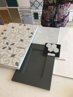 41 Trendy Ideas For Farmhouse Kitchen Tile Bathroom Bathroom Renos, Small Bathroom, Master Bathroom, Brown Bathroom, Master Bedrooms, Mosaic Bathroom, Bathroom Wallpaper, Basement Bathroom, Bathroom Cabinets
