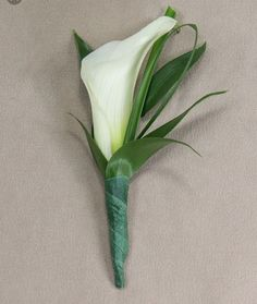 Gorgeous calla lily boutonniere for gentleman's suit 66 Prom Flowers, Wedding Flowers, Calla Lily Boutonniere, Prom Pictures, Groom And Groomsmen, Buttonholes, Greenery, Image, Gentleman