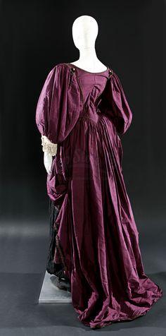 Elizabeth Swann (Keira Knightley) Purple Dress and Shoes