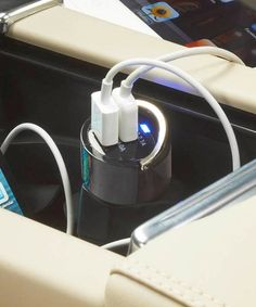 Dual-USB Car Charger for iPad & iPhone