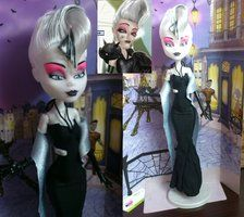 Monatella Ghostier Scaris custom doll by angel99percent