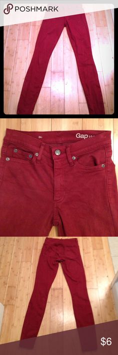 Red Gap Skinny Jeans Cranberry red Gap Skinny Jeans, high rise/mid rise, can't remember which but they do have a higher rise. Stretchy and comfy. Gently worn. GAP Jeans Skinny
