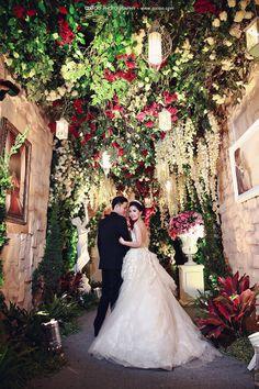 10 best wedding surabaya decoration images on pinterest surabaya grecian garden wedding rocky merlin everything about this wedding is junglespirit Images