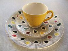 "Inger Waage for Stavangerflint ""Polka"" Breakfast set Scandinavian Cabin, Modern Scandinavian Interior, Ceramic Tableware, Ceramic Pottery, Norway Food, Cheese Dome, Norwegian Food, Vintage Ceramic, Retro"