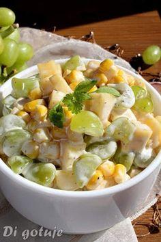 Sałatka serowa z kukurydzą i winogronem Appetizer Salads, Appetizer Recipes, Salad Recipes, Appetizers, Vegan Gains, Cooking Recipes, Healthy Recipes, Cooking Time, Breakfast Lunch Dinner