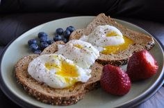 eggs on toast with berries :3