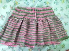 super easy knitting pattern for toddler skirt Easy Knitting Patterns, Knitting For Kids, Free Knitting, Baby Knitting, Simple Knitting, Beginner Knitting, Knitting Stitches, Little Girl Skirts, Baby Girl Skirts
