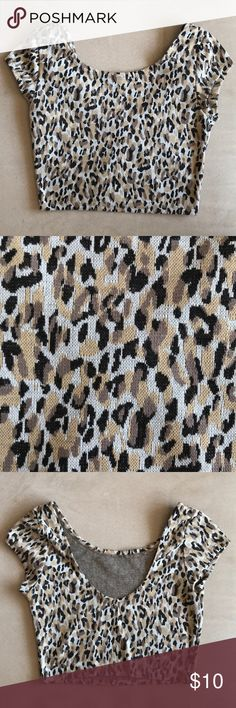 Leopard crop top Leopard patterned crop top. The back scoops down a little to give you more exposure. Worn once. Mimi Chica Tops Crop Tops