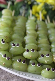 rainbowsandunicornscrafts:    DIY Caterpillar Grape Kabobs. How-to from Six in the Suburbs here.