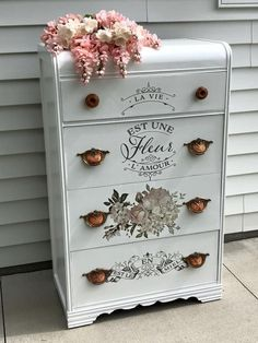 Before and after decoupaged dresser furniture makeover Dresser Furniture, Hand Painted Furniture, Distressed Furniture, Paint Furniture, Repurposed Furniture, Furniture Projects, Furniture Makeover, Home Furniture, Dressers