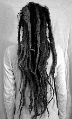 Black and white photos/Dreads, long, laying on his back. Dreadlock Hairstyles, Messy Hairstyles, Natural Dreads, Long Dreads, White Dreads, Dreadlock Rasta, Beautiful Dreadlocks, African American Hairstyles, Strong Hair
