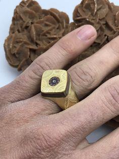 Bague Touareg cuivre & ebony travail main with chevron bead par Bijouxtuarege sur Etsy Cubes, Chevron, Man Ring, African Tribes, Glass Beads, Rings For Men, Beautiful, Etsy, Jewelry