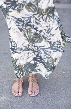 Valentino Rockstud, Palm Beach Sandals, Beachwear, Paradise, Style Inspiration, Summer, Outfits, Shoes, Fashion