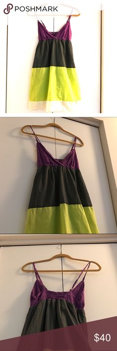 Hurley || Block Striped Sundress🔆 Block Color striped Sundress by Hurley🔆  ▫️100% Cotton ▫️Has pockets ▫️Adjustable straps ▫️Light weight material perfect for the pool or beach  💌Same/Next day Shipping💌 Hurley Dresses Midi