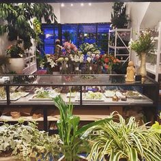 awesome vancouver florist What we see. Our view from the work table. #bloomroomvancouver #eastvanflorist #repost by @bloomroomvancouver  #vancouverflorist #vancouverflorist #vancouverwedding #vancouverweddingdosanddonts