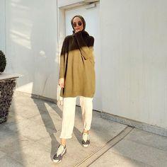 """2,730 Suka, 28 Komentar - Şeyma (@seymakaymakk) di Instagram: """"Dilinize takılan şarkıları bu postun altında toplamak istiyorum hadi bakalım 🤔  Triko @kefta.tr 🌿"""" Modest Fashion Hijab, Modern Hijab Fashion, Hijab Casual, Hijab Fashion Inspiration, Hijab Chic, Hijab Outfit, Muslim Fashion, Modest Outfits, Casual Outfits"""
