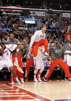 I'm not a Clippers fan, but I'm a basketball fan, and this is a cool picture.