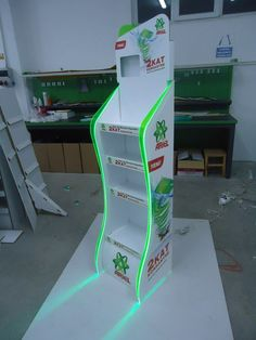 Creative Point of purchase displays and exhibition booths for trade-shows created Pos Display, Store Displays, Display Design, Display Shelves, Display Stands, Pos Design, Stand Design, Retail Design, Design Web