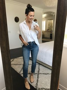 9 Ways to Style Straight-Leg Jeans - Women Straight Jeans - Ideas of Women Straight Jeans Outfit Jeans, Jeans Outfit Winter, Ripped Jeggings, Ripped Skinny Jeans, Boyfriend Jeans, Mom Jeans, Women's Jeans, Fashion Models, Celebrities Fashion