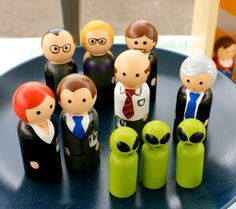 The X-Files Small Peg Set - I demand that someone buy this for my future children.