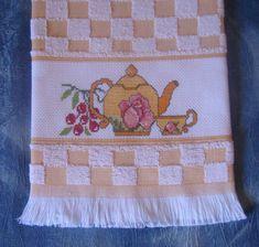 Pot Holders, Napkins, Embroidery Ideas, Cross Stitch Embroidery, Cross Stitch Rose, Softies, Appliques, Embroidered Towels, Punto De Cruz